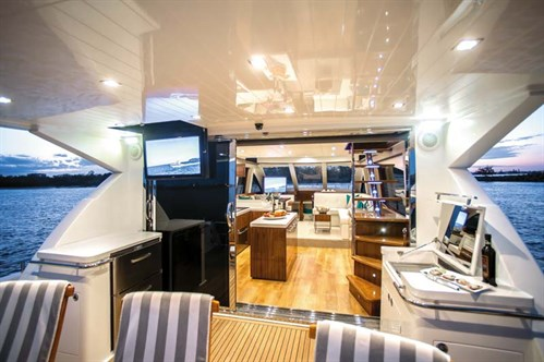 Layout on Whitehaven 6000 Flybridge
