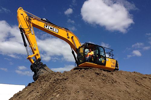 JCB-JS220-LC-excavator -body -2
