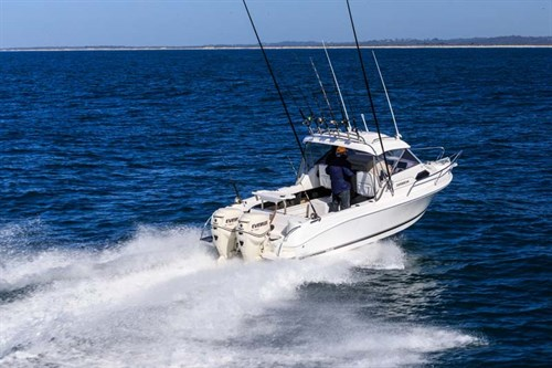 Caribbean 2300 with twin outboard motors