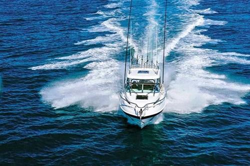 Haines Hunter 675 Offshore Hardtop boat