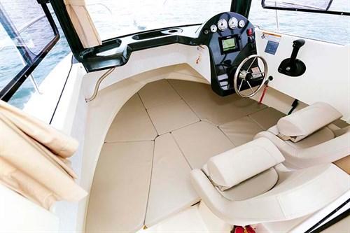 Arvor 605 Sportsfish cabin