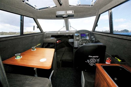 White Pointer 800 Sports Cruiser interior