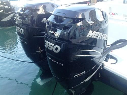 Twin Mercury Verado 350 engines