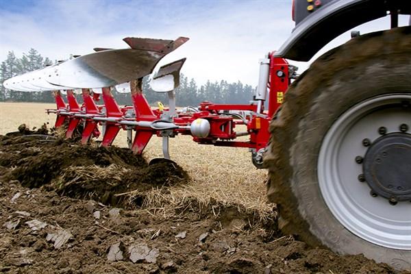3122_Agrolux _HRWT_5785_plough