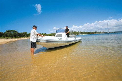 Beached Brig Navigator 700