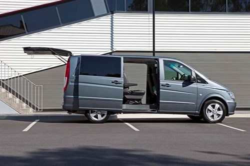 MERCEDES-BENZ_VITO_VAN-23_doors _open [1]