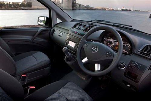 MERCEDES-BENZ_VITO_VAN-07_dash [2]