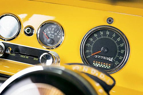 Checker -cabs -8-500