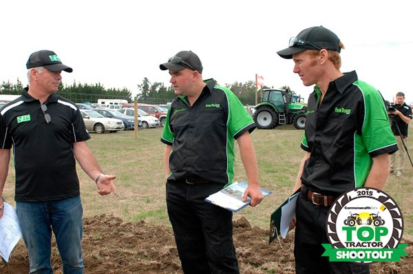 Top -Tractor -Shootout -2015-judges -discussing