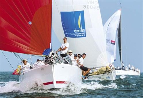 Jeanneau Sun Fast 3600 sailing