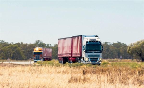 Clash -of -the -Titans ,-the -wrap ,-Trade Trucks6