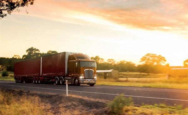 Clash -of -the -Titans ,-the -wrap ,-Trade Trucks9