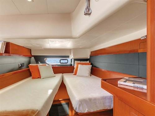 Beneteau Oceanis 60 cabins