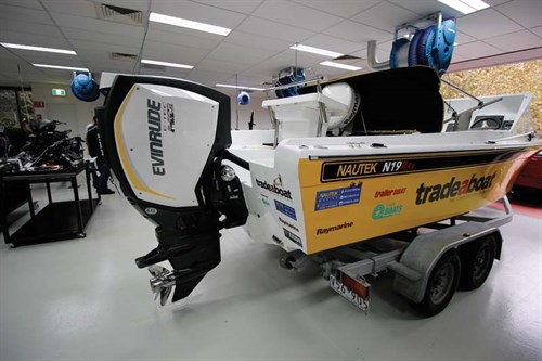 E-TEC 200HO outboard -on -Haines V19R project boat