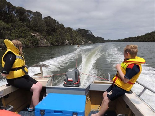 Kneeboarding on project boat
