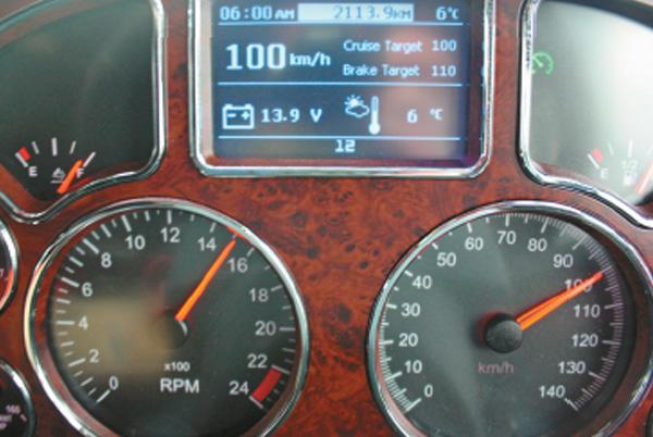 Mack ,-MP10,-Super -Liner ,-truck ,-review ,-ATN3