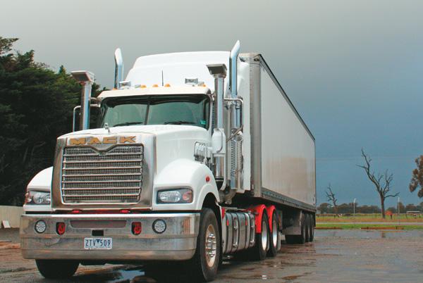 Mack ,-MP10,-Super -Liner ,-truck ,-review ,-ATN6