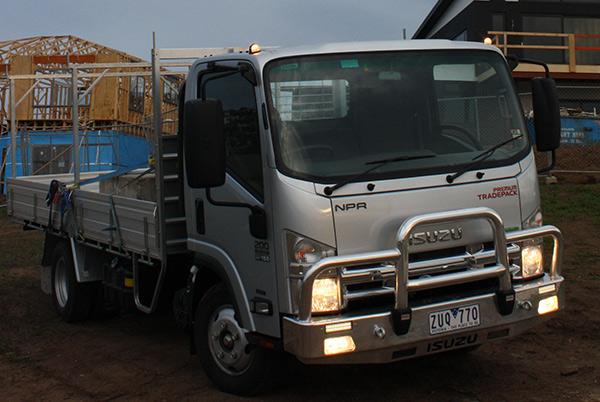 Isuzu NPR200 tradepack truck video | Review