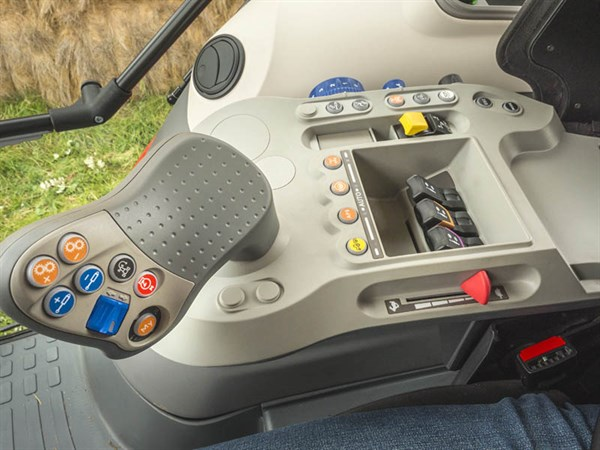 Mc Cormick X7.660 Tractor -controls