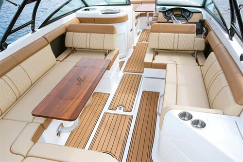 Sea Ray 270 Sundeck inboard layout