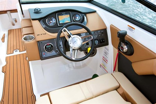 Helm on Sea Ray 270 Sundeck inboard