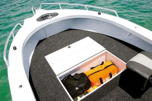 Casting deck on Sea Jay 5.6 Striker