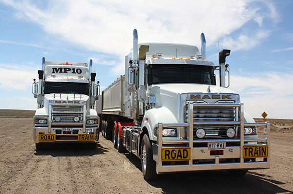 Mack ,-MP10,-Superliner ,-Titan ,-truck ,-road -train ,-review ,-ATN3