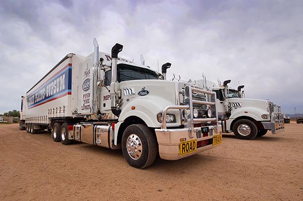 Mack ,-MP10,-Superliner ,-Titan ,-truck ,-road -train ,-review ,-ATN6