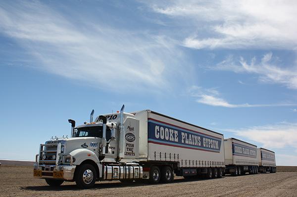 Mack ,-MP10,-Superliner ,-Titan ,-truck ,-road -train ,-review ,-ATN4