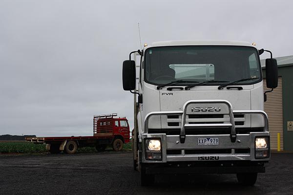 Isuzu ,-UD,-PK17-Condor ,-FVR-1000,-truck ,-review ,-ATN1