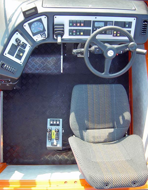 Terberg ,-YT220,-terminal -tractor ,-review ,-ATN2