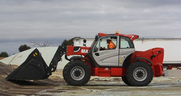 Manitou MLT X-960 Loader And Bucket