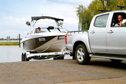 Towing a Axis Wake T22 boat