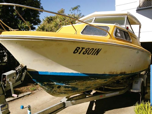 1974 Haines Hunter 213C project boat