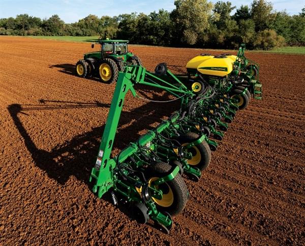 John Deere Exactemerge Planter