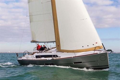 Dufour Grand Large 382 sail boat