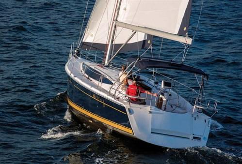 Hunter 37 sailing yacht