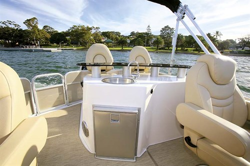 Winebar boat