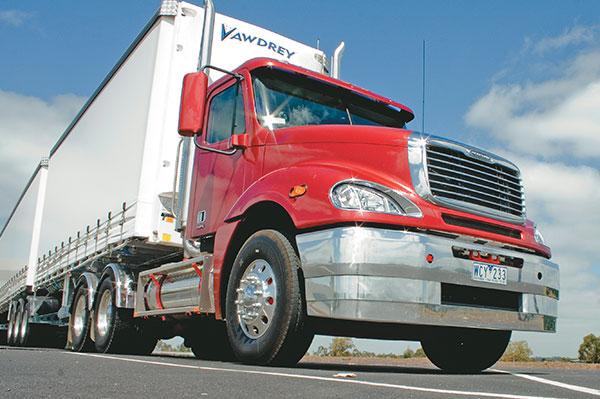 Freightliner -Columbia ,-Caterpillar -C15,-truck ,-review ,-ATN3