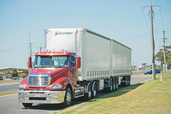 Freightliner -Columbia ,-Caterpillar -C15,-truck ,-review ,-ATN4