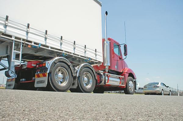 Freightliner -Columbia ,-Caterpillar -C15,-truck ,-review ,-ATN5