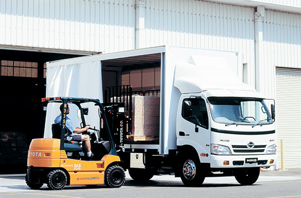 Hino -300,-916,-truck ,-review ,-ATN3