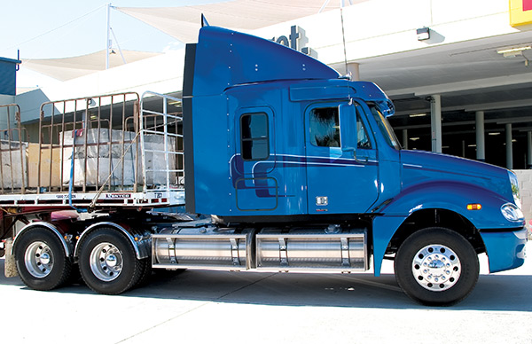 Freightliner -Columbia -C112-and -CL120-truck -review ,-ATN2