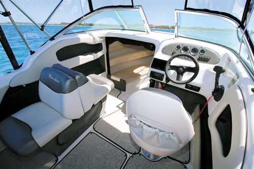 Cockpit on Raeline 186 Outboard