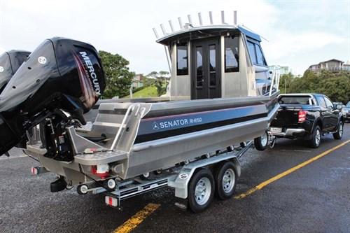 Mitsubishi Triton GLS 4WD towing boat