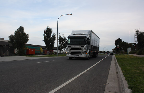 P-series ,-440,-320,-truck ,-review ,-ATN4