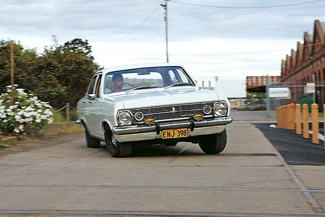 Holden -HD-HR-8-658