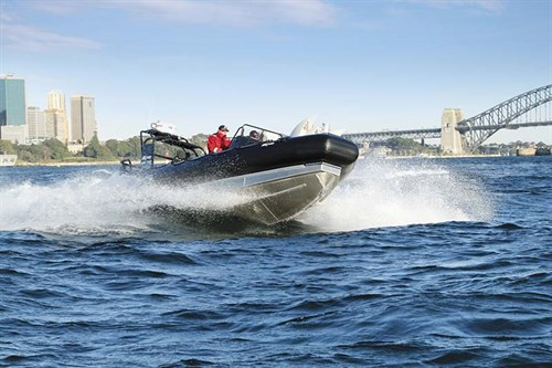 Zodiac Milpro SRA 750 on the water