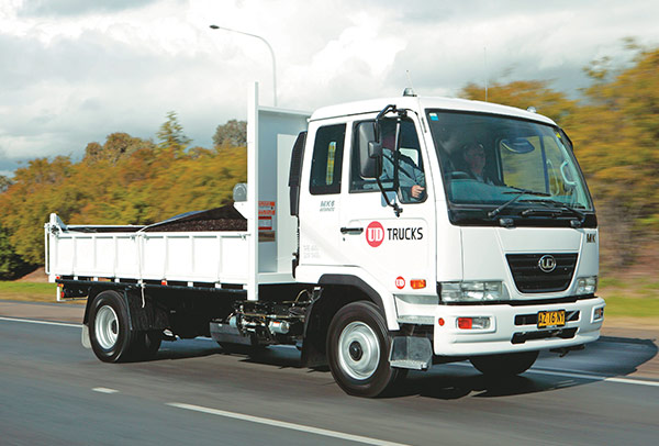 UD-Trucks ,-MK6-auto -tilt ,-tip ,-TT2