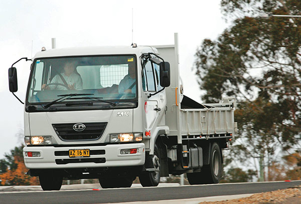 UD-Trucks ,-MK6-auto -tilt ,-tip ,-TT4